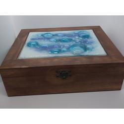 Caja de madera azul